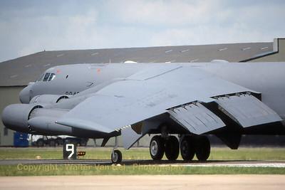 USAF_B-52H_60-0042_BD_AFRC_cn_20040719_Scan_WVB_1200px