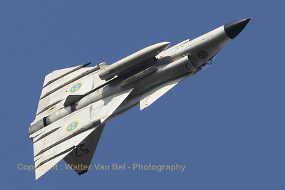 The Saab Viggen ASJ37 (SE-DXN; cn37098) put up an amazing performance at the Sanicole-Airshow 2012.