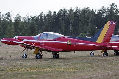 """Team-leader's aircraft of the Belgian Air Force """"Red Devils"""", at Sanicole Sunset-Airshow."""