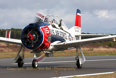 Another nice warbird, a T-28B Trojan (N1328B / 55-138354/TL-354; cn200-425) is seen arriving at KB during the spottersday, prior to the Sanicole Airshow 2013.