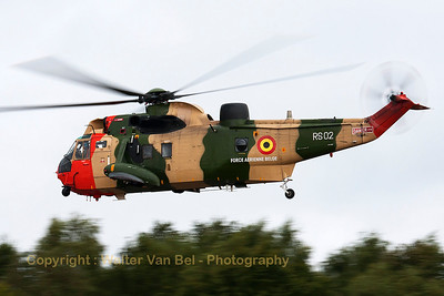 A Westland Sea King Mk.48 from the Belgian Air Force, departing Kleine Brogel during a heavy rain shower (Spottersday Sanicole Airshow 2013).