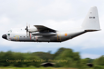 This Belgian Air Force C-130H (CH-08, cn382-4478) made several low passes over KB, during the spottersday prior to the Sanicole Airshow 2013.
