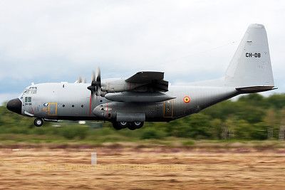 This Belgian Air Force C-130H (CH-08, cn382-4478) made several low passes over KB and is here seen performing a touch-and-go, during the spottersday prior to the Sanicole Airshow 2013.