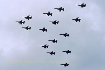 RNLAF_15x_F-16AM_J-xxx_EHVK_SEPT2000_scan20070430_WVB_1200px