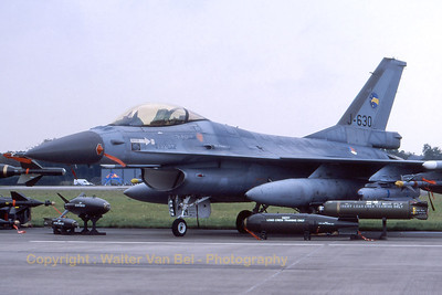 RNLAF_F-16AM_J-630_311sq_EHVK_SEPT2000_scan20070418_WVB_1200px