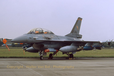 RNLAF_F-16BM_J-066_323sq_MLU-test_EHVK_SEPT2000_scan20070426_WVB_1200px