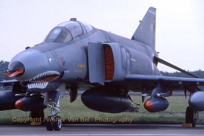 TuAF_F-4E_68-0427_112Filo_EHVK_SEPT2000_scan20070418_WVB_1200px