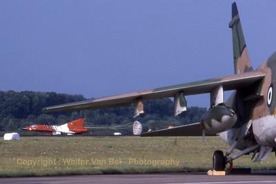 AustrianAF_J35OEmkII_08_FlRg2-1_EHVK_SEPT2000_scan20070425_WVB_1200px