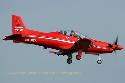 Pilatus_PC-21_HB-HZA_cn-P01_EHVK_20070614_CRW_8209_RT8_WVB_1200px