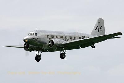 KLM_Aviodrome_Douglas_R2D1_DC-2-142_NC39165_PH-AJU_cn1404_EHVK_20070614_CRW_8363_RT8_WVB_1200px