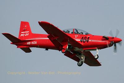 Pilatus_PC-21_HB-HZA_cn-P01_EHVK_20070614_CRW_8208_RT8_WVB_1200px