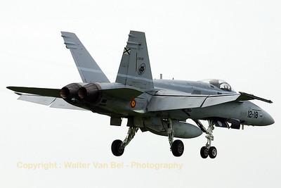 SpAF_EF-18A_C15-60_12-18_cn842-A582_EHVK_20070614_CRW_8225_RT8_WVB_1200px