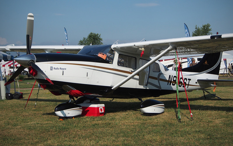 Rolls-Royce Turbine Powered Cessna 206H at AirVenture - 27 July 2012