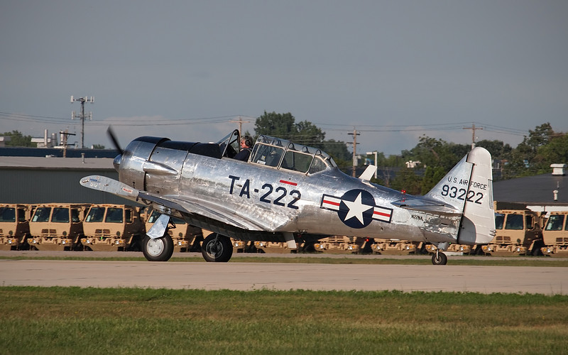 Bill Leff's North American T-6 at AirVenture - 26 July 2012