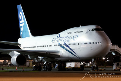 Air New Zealand 747 at Christchurch