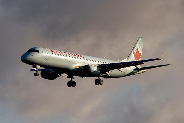 An Air Canada Embraer 175 on approach to St John's, Newfoundland (CYYT)on a cloudy autumn morning.  Oct 18, 2008