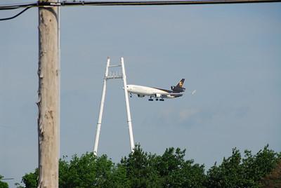 Crazy MD-11 Pilots