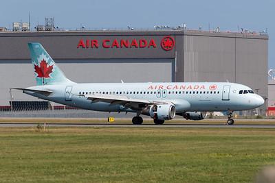 Air Canada A320-200 (C-FKCO)
