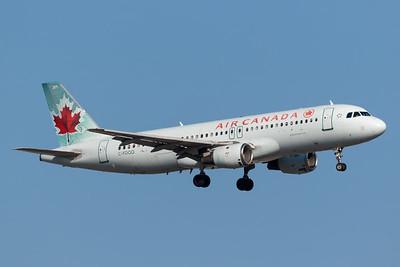 Air Canada A320-200 (C-FDQQ)