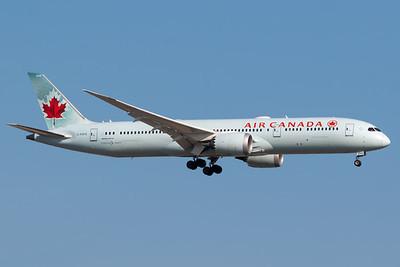 Air Canada B787-9 (C-FGFZ)