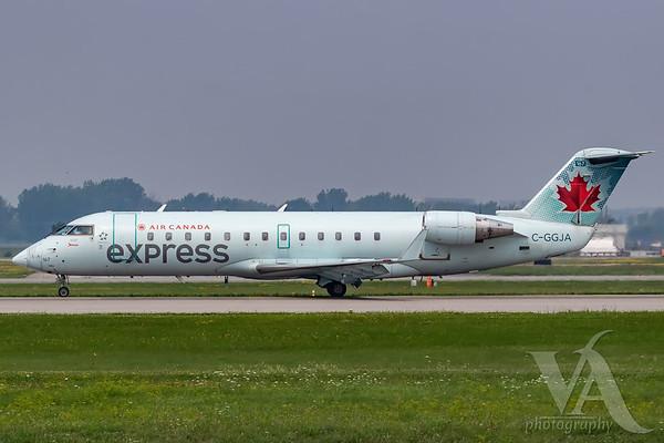 Air Canada Express CRJ-200 (C-GGJA)-2