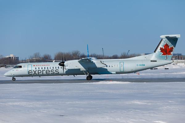 Air Canad Express Dash 8-400 (C-GGNW)