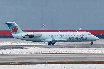 Air Canada Express CRJ-200 (C-FFJA)