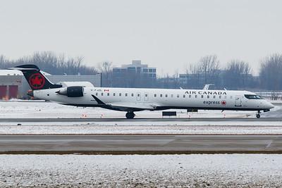 Air Canada Express CRJ-900 (C-FJZL)