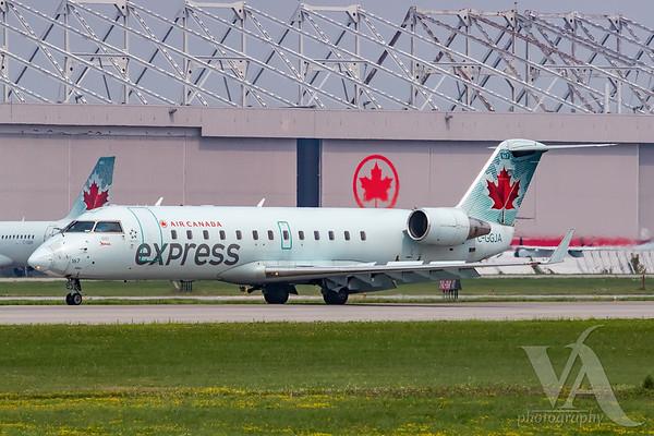 Air Canada Express CRJ-200 (C-GGJA)