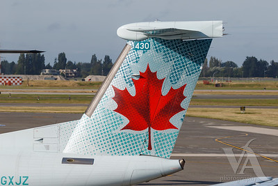 Air Canada Express Dash 8-400 (C-GXJZ)