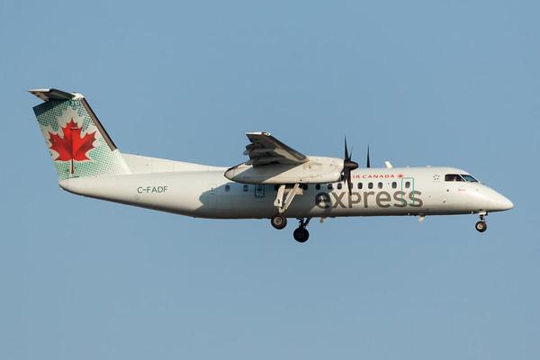 Air Canada Express Dash 8-300 (C-FADF)