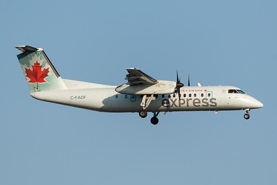 Air Canada Express Dash 8-300 (C-FADF)