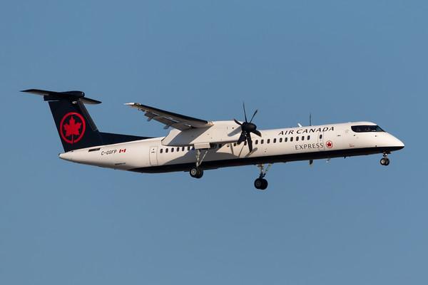 Air Canada Express Dash 8-400 (C-GGFP)