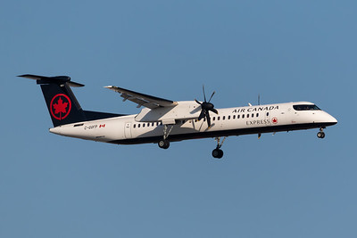 Air Canada Express Dash 8-400 (C-GGFP)