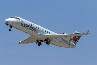 Air Canada Express CRJ-200 (C-GMJA)