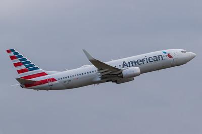 American Airlines B737-800 (N823NN)
