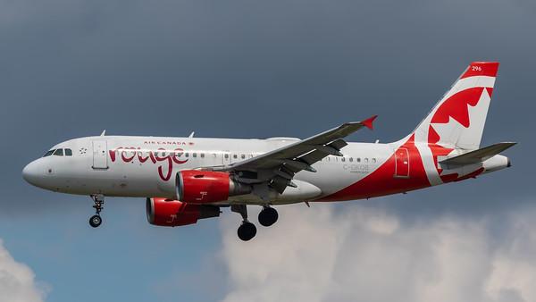 Air Canada Rouge A319-100 (C-GKOB)