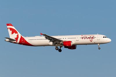 Air Canada Rouge A321-200 (C-GHPD)