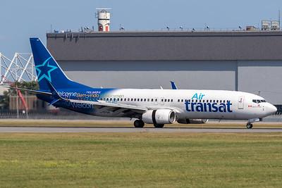 Air Transat B737-800 (C-GTQG)