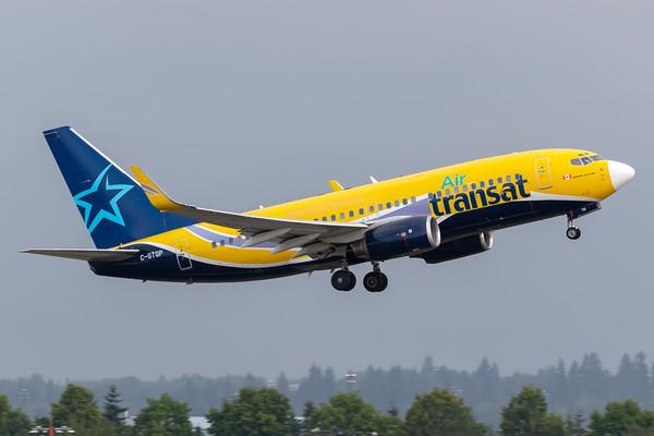 Air Transat B737-700 (C-GTQP)