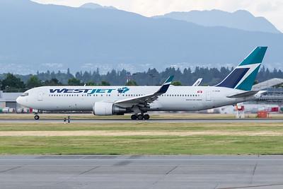 WestJet B767-300 (C-GOGN)