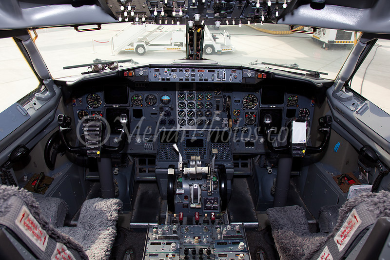N444HE Cockpit
