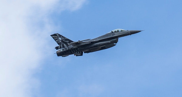 F16 Falcon - Arriving - Belgium Airforce 1st Squadron - RIAT - RAF Fairford (July 2017)