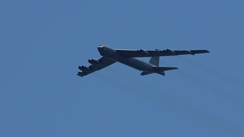 B-52 Statofortress - low approach, landing and departing