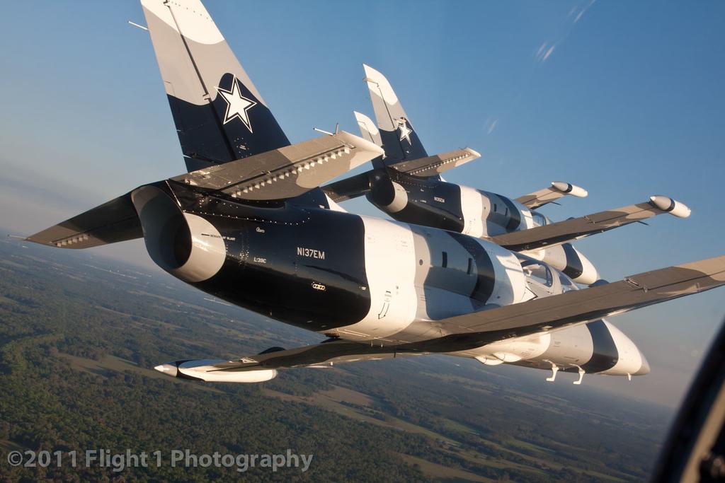 The Black Diamond Jet Team echelon formation from the  #4 jet