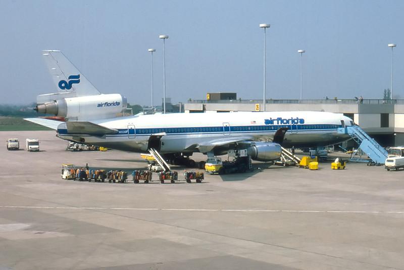 Air Florida DC10-10 N1035F Manchester Airport