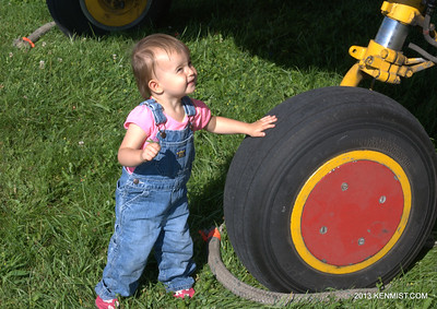 Tires are good.  Newest Canadian Harvard Aircraft Association crew member performing the walkaround.
