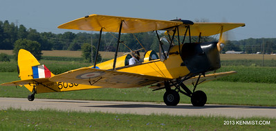 de Havilland DH-82C at Tillsonburg airport