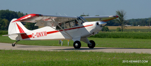 Husky A-1B at Tillsonburg Airport