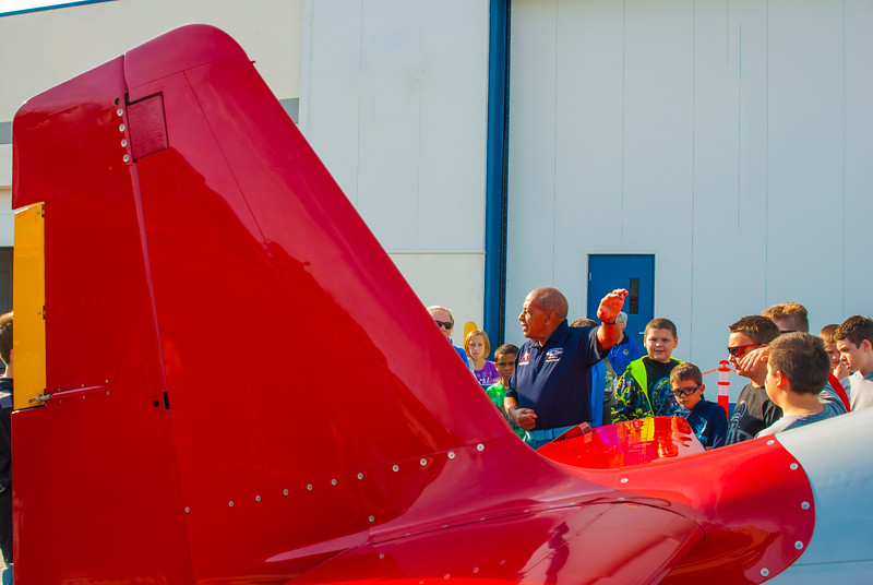 Dr. Harold Brown explaining how an airplane flies to students at the Liberty Aviation Museum in Port Clinton Ohio.